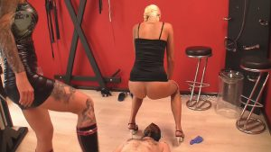 Scat and pee with Lady Chantal and Miss Cherie