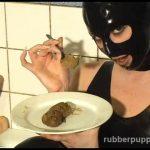 Hannah Sweden – Shit Eating Latex Shemale