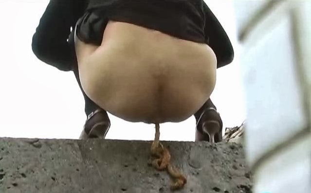 Bffo-05 Acrobatic Outdoor Pissing And Pooping, Scat Porn -8711