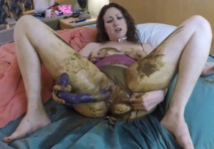 Panty poop and masturbation dirty pussy – Dirty under the covers (HD 1080p)