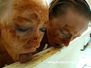 Susan and Maisy – Deep Scat Kisses