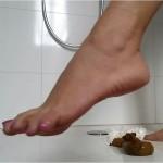 SCHEISSE FUER MEINE PUTZSCHLAMPE – 1080P BIG.TURD FEET FOOT FOOT.FETISH