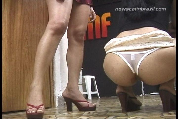 public panty poop
