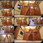 Leggy girl shitting standing [HD 1080p]