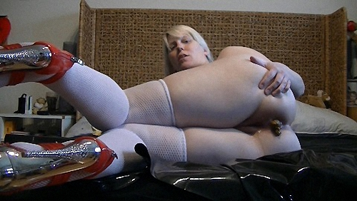 Shit in hot Nylons and High Heels Full HD 1080 (pussy, Scat, she, Shit, unique, wants, way)