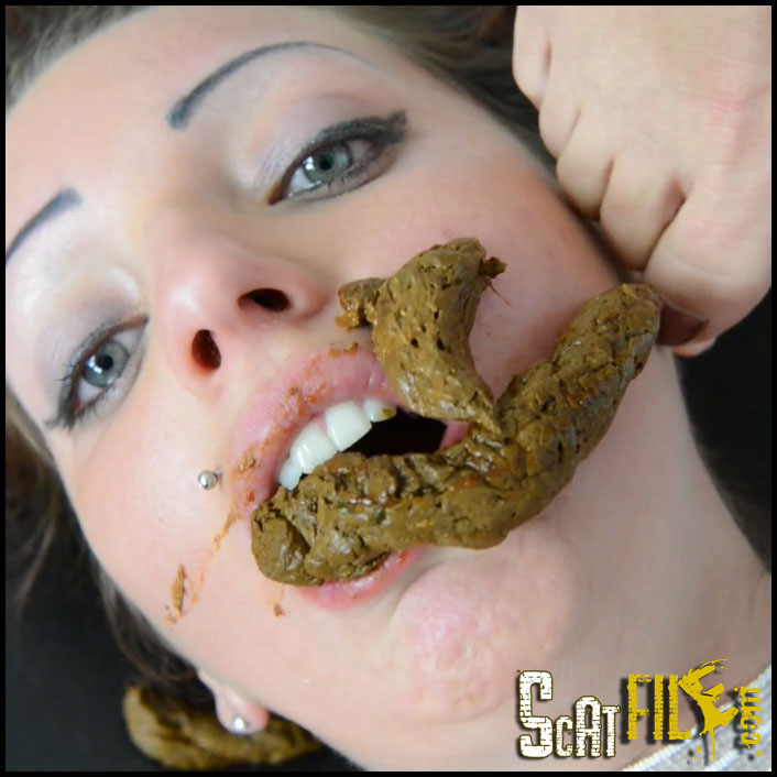 girls eating scat