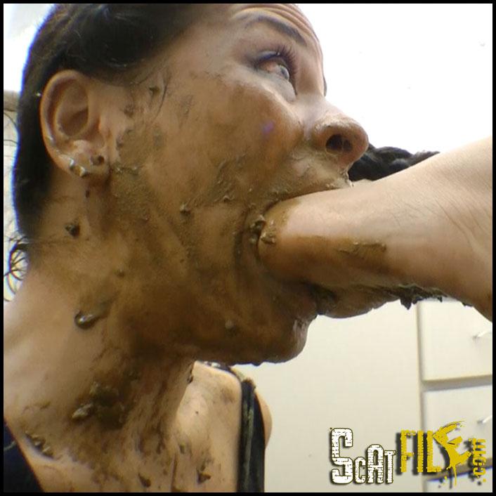 Scat Real Fear With Top Dominatrix Flavia Greika And Slave Mini Mi_cover