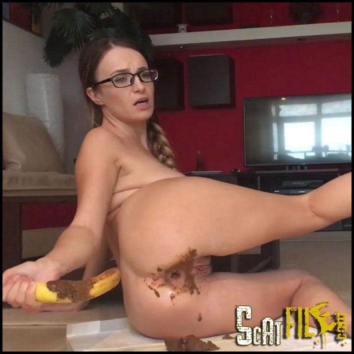 playing-with-banana_cover