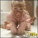 THE SLAVE Cleans FLOOR (Extreme Dirty Submission) – Goddess Jasmine – Blonde Girl Poop (17/02/2017)