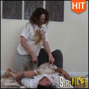 Fully Clothed Poop Smearing – Samantha Starfish, Scat Goddess, Scat Poopping (10/03/2017)