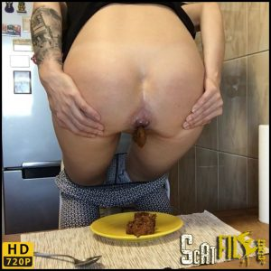 Shit inspecting – EllaGilbert – Hd 720p (scat, defecation, scatology, poop, shit, kaviar scat) 31/10/2017