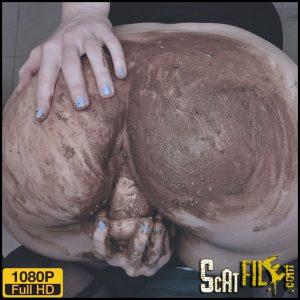 OMG! What shees doing? POOP? – SweetBettyParlour – Scat solo, Pee