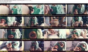 ScatEatAndShitSuckingByTopBabeBetty-TheGreenMask_1080p.mp4.jpg