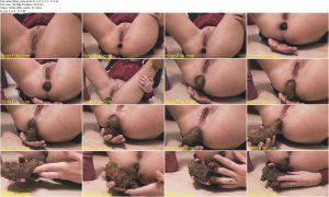 Mias_play-pooh.mp4.jpg