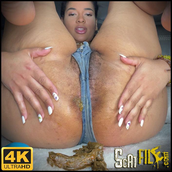 Shit_my_jeans_big_camel_toe.mp4.00029