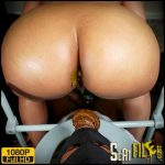 TOILET BOY TAKES A MOUTHFUL – Brownsensations – Scat and Piss Femdom