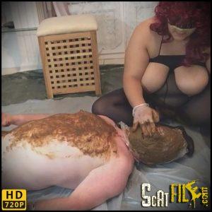 Fatima shits on the slave – MISTRESS-PERVERSE – Smearing, Toilet Slavery