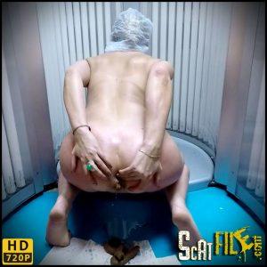 Poo Accident In Solarium – janet – Poop Videos, Scat Solo, Toilet Slavery